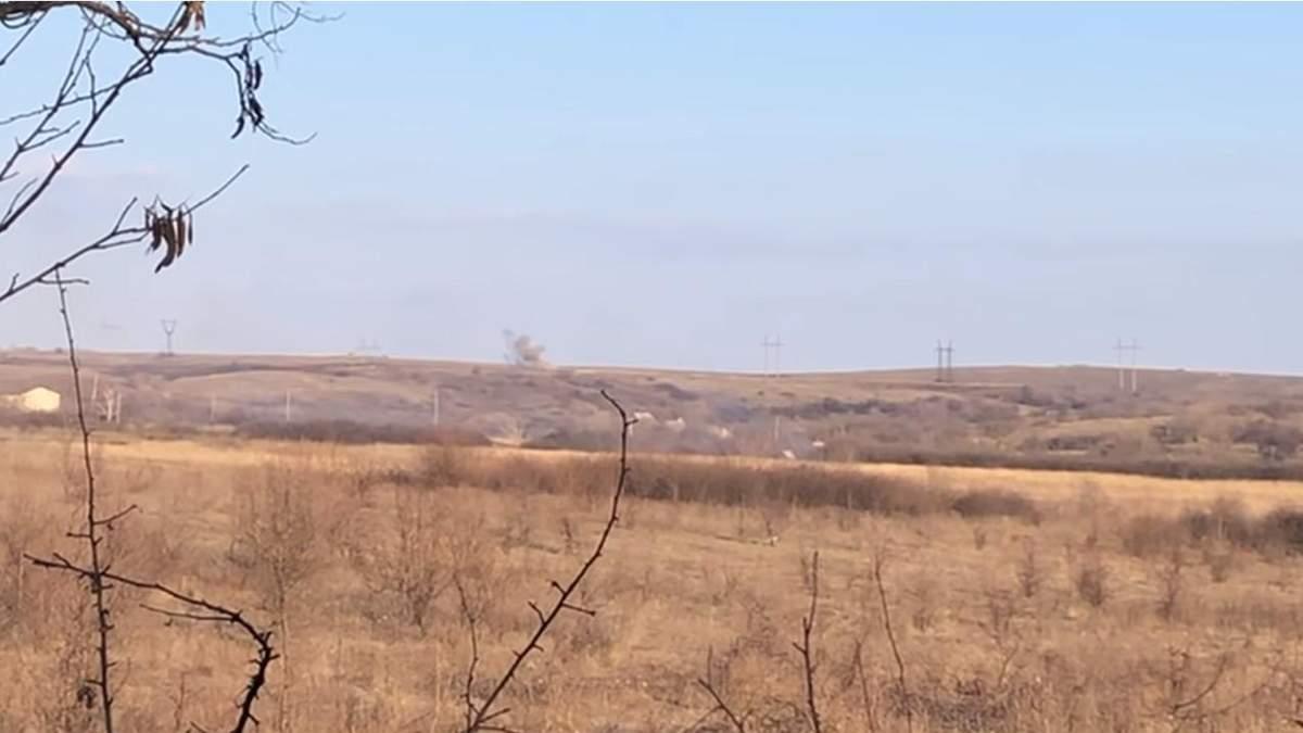 """Воїни ЗСУ одним пострілом знищили """"Утьос"""" бойовиків на Донбасі: ефектне відео"""