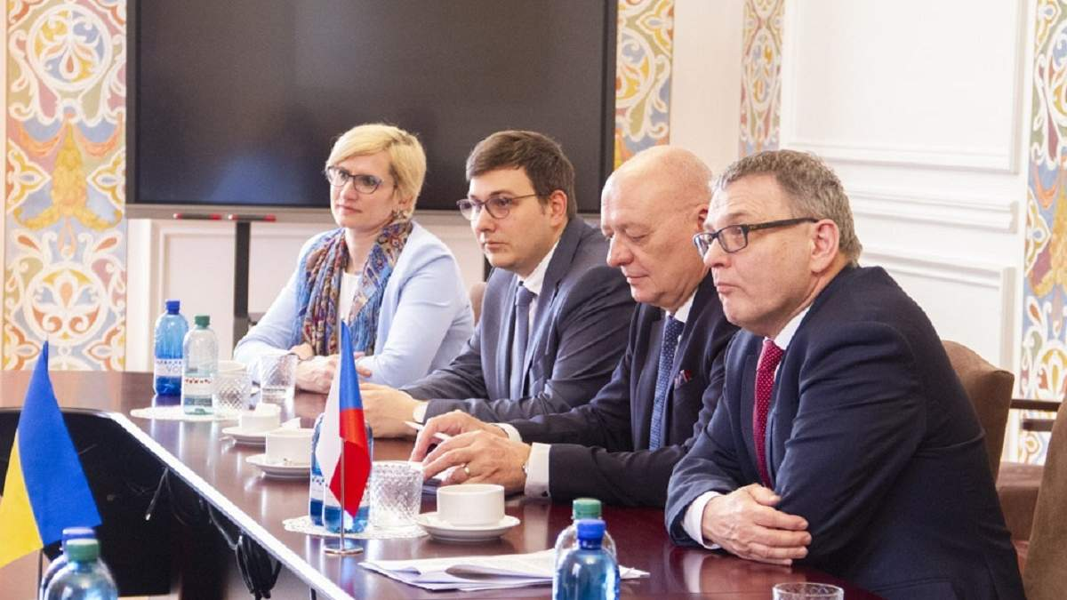 Чеські та Українські дипломати провели спільну зустріч