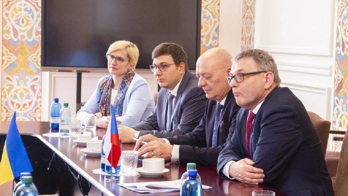 Чехия поддержала Украину и призвала усилить объединения международного сообщества