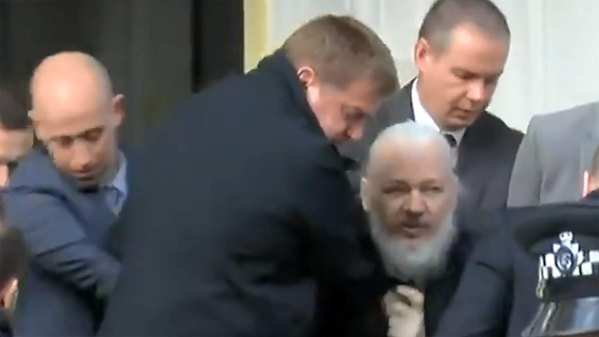 Засновника Wikileaks Джуліана Ассанжа  затримали у Лондоні