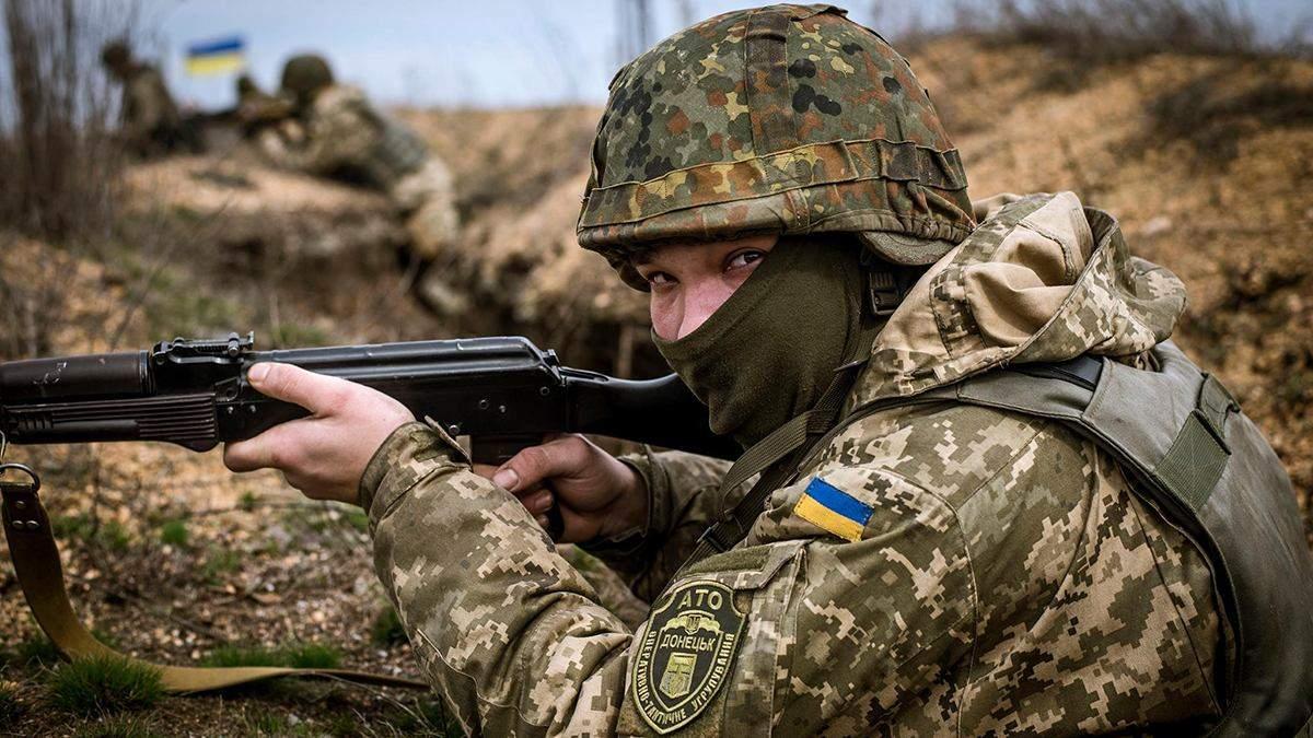 Гаряча доба на Донбасі: загинув український військовий, знищено 9 окупантів