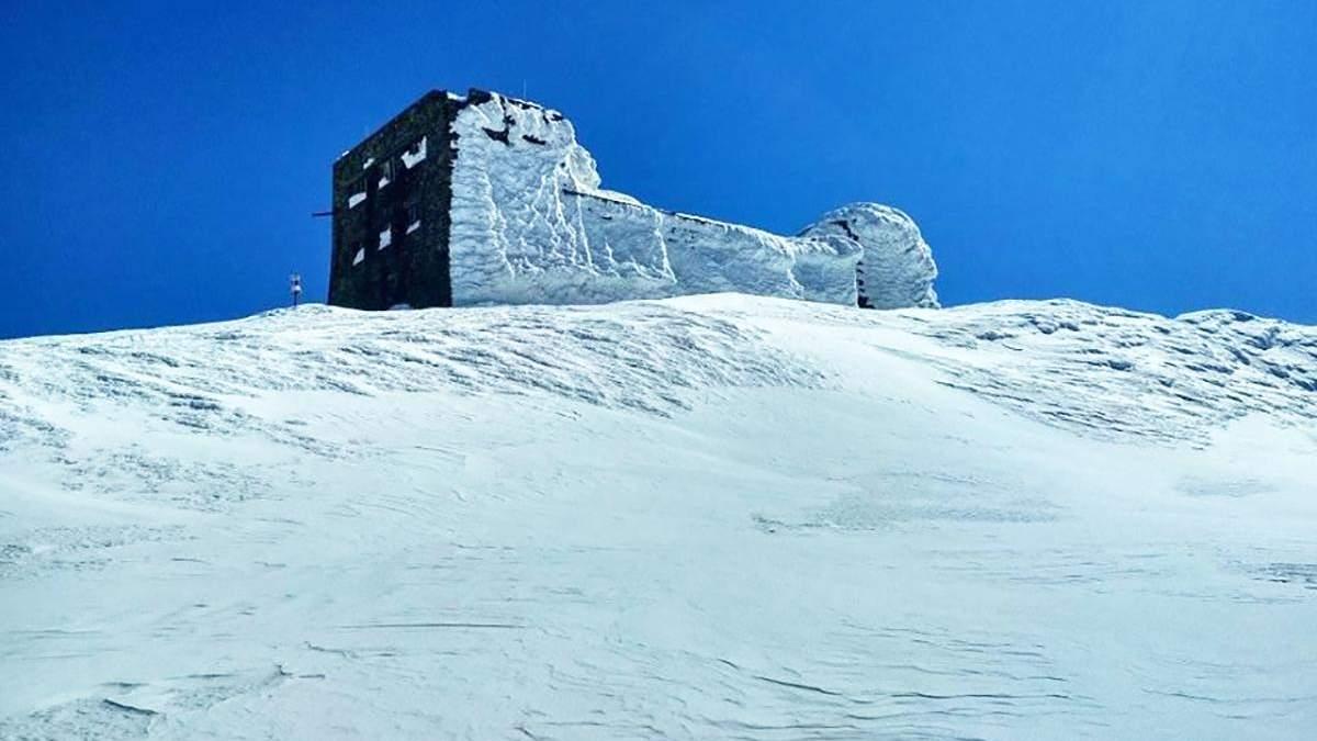 Сніг у Карпатах у квітні
