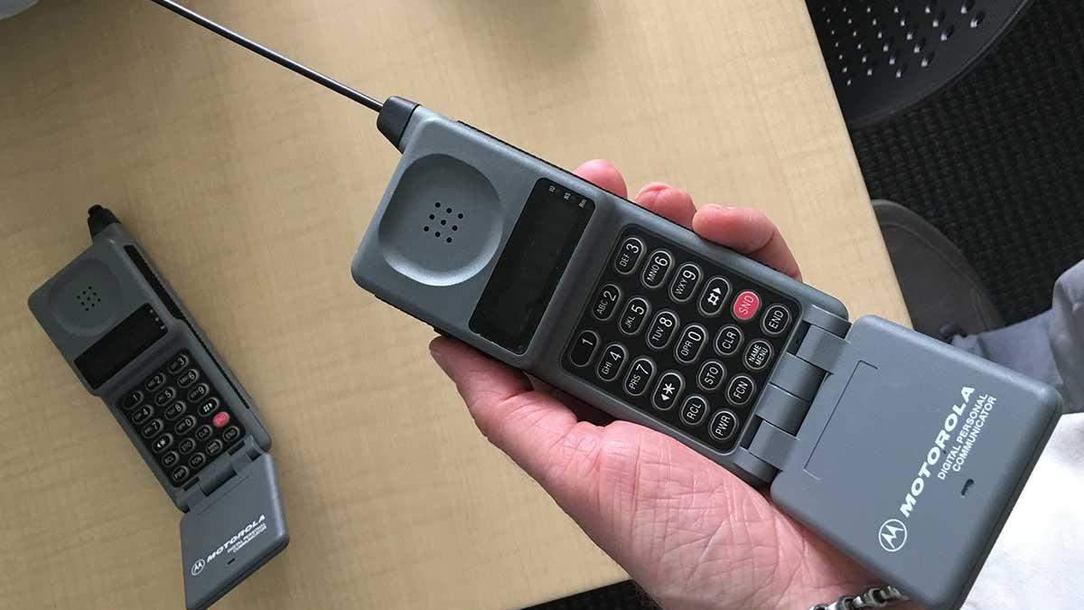 Один из первых телефонов-жабок