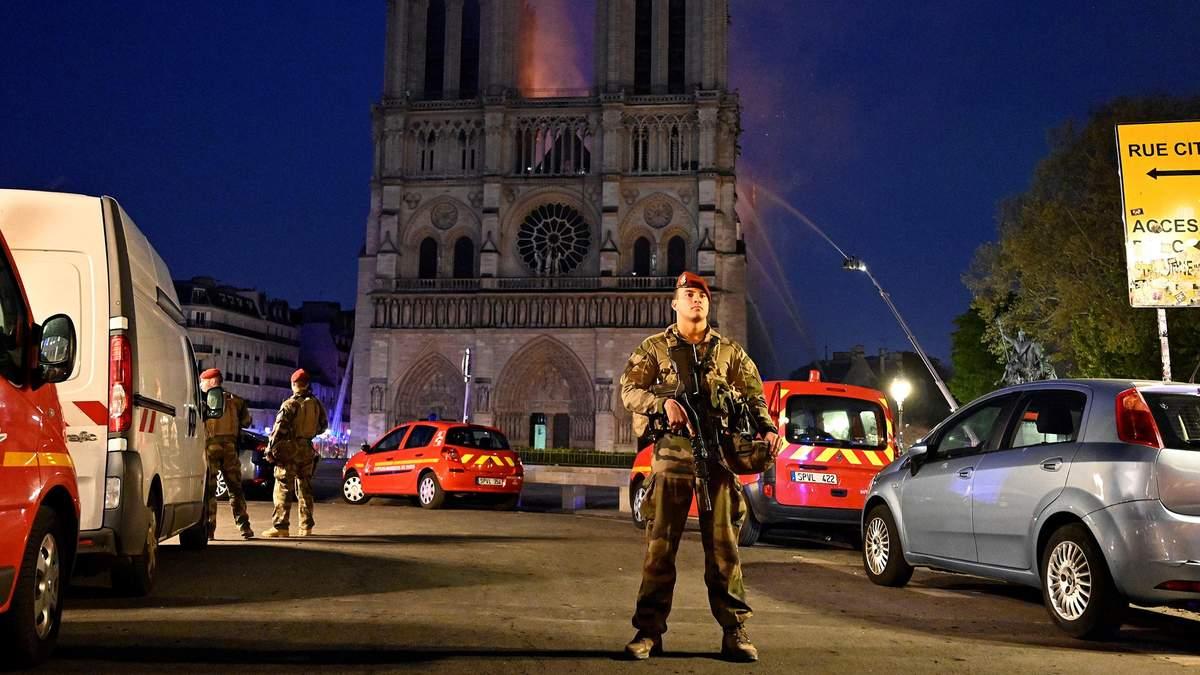 В пожаре в Нотр-Даме едва не пострадали туристы с Харьковщины