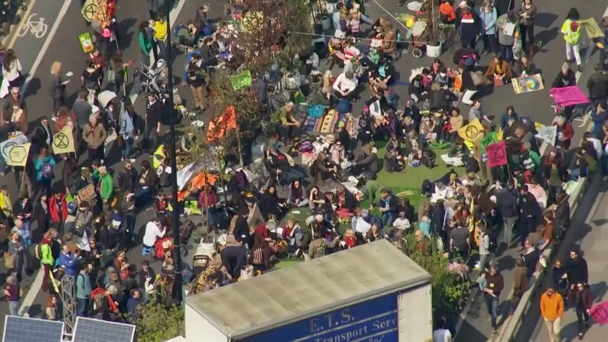 Протесты в Лондоне против изменения климата
