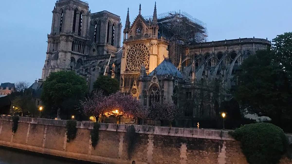 Собор Паризької Богоматері закриють для відвідувачів: коли туристи зможуть знову зайти у храм