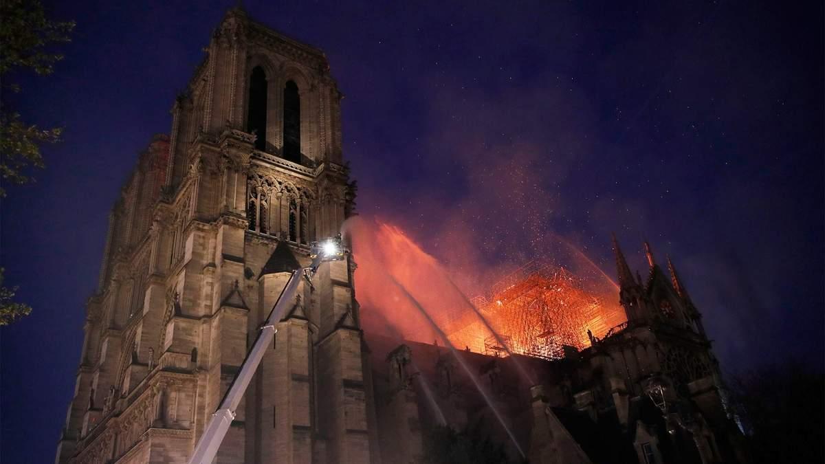 Руйнівна пожежа в Нотр-Дам де Парі: чим унікальний собор у Франції