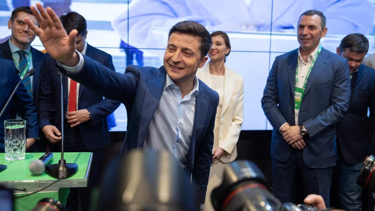 Зеленский рассказал, как планирует прекратить огонь на Донбассе