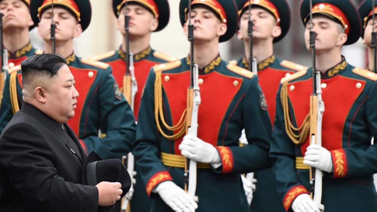 Кім Чен Ин у Росії: легендарний бронепоїзд, ексклюзивний лімузин і неймовірно спритні охоронці