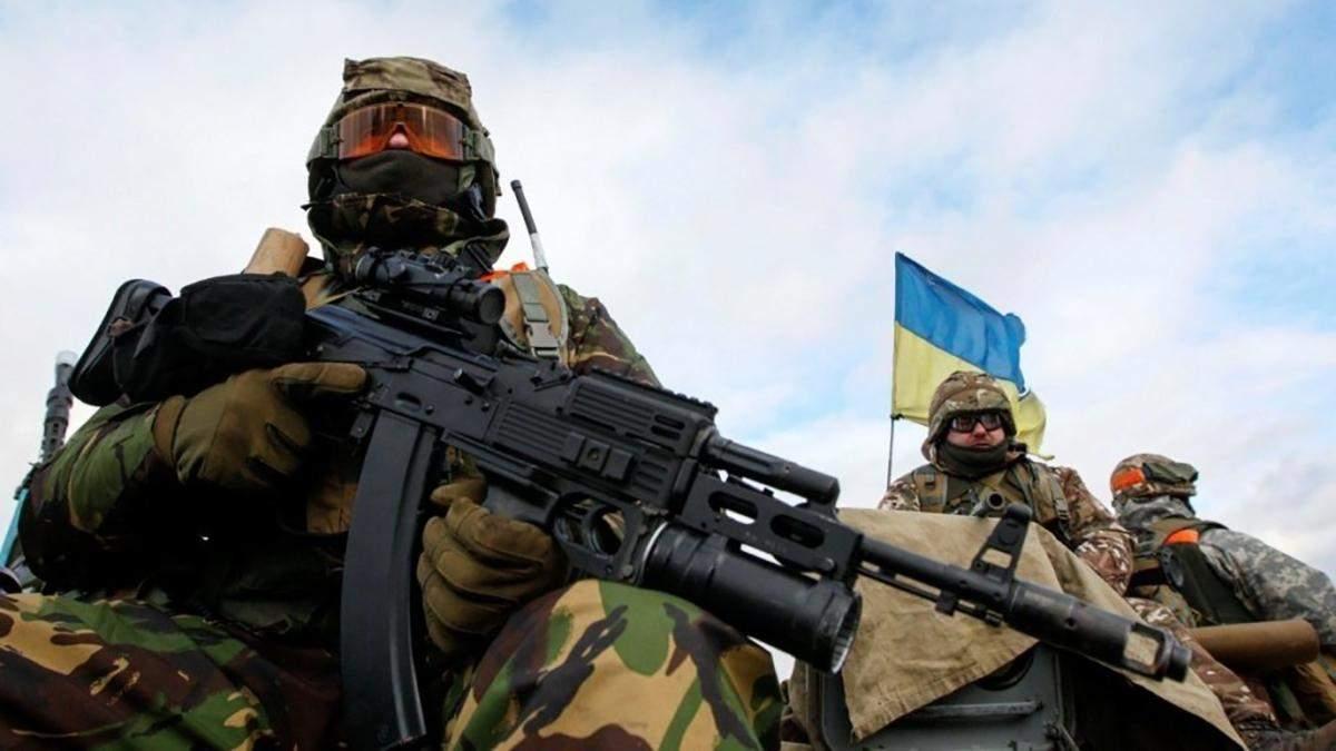 Гаряча доба на Донбасі: поранений український військовий