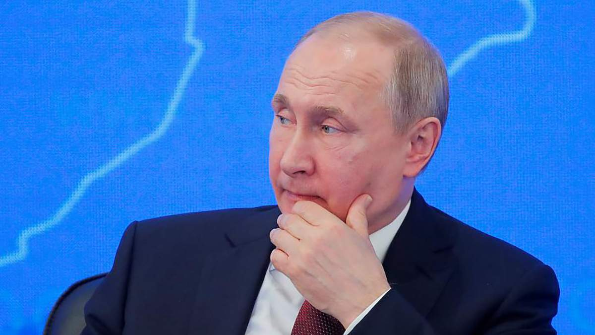 Путин собирается выдавать паспорта России всем украинцам - детали