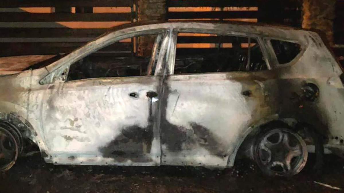 У Рівному спалили авто, на якому їздить секретар міськради
