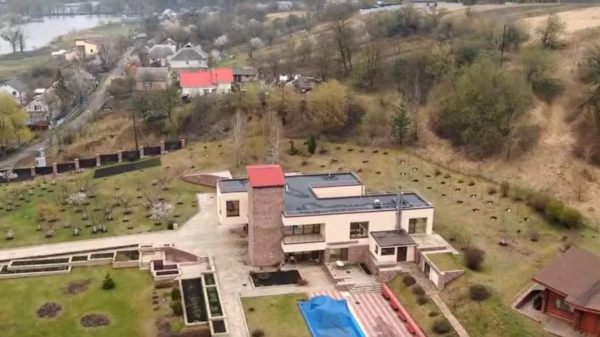 """Розкішний будинок чиновника """"Укроборонпрому"""""""