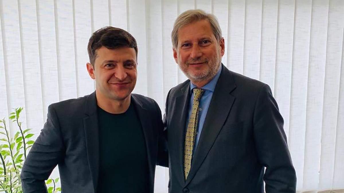 Зеленский провел встречу с еврокомиссаром Ханом в Киеве