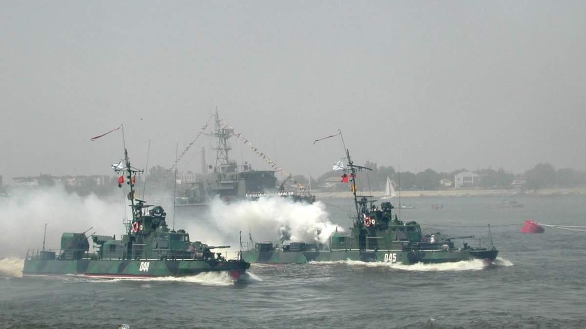 Затримання Росією суден, що прямують до українських портів: що сьогодні відбувається на Азові