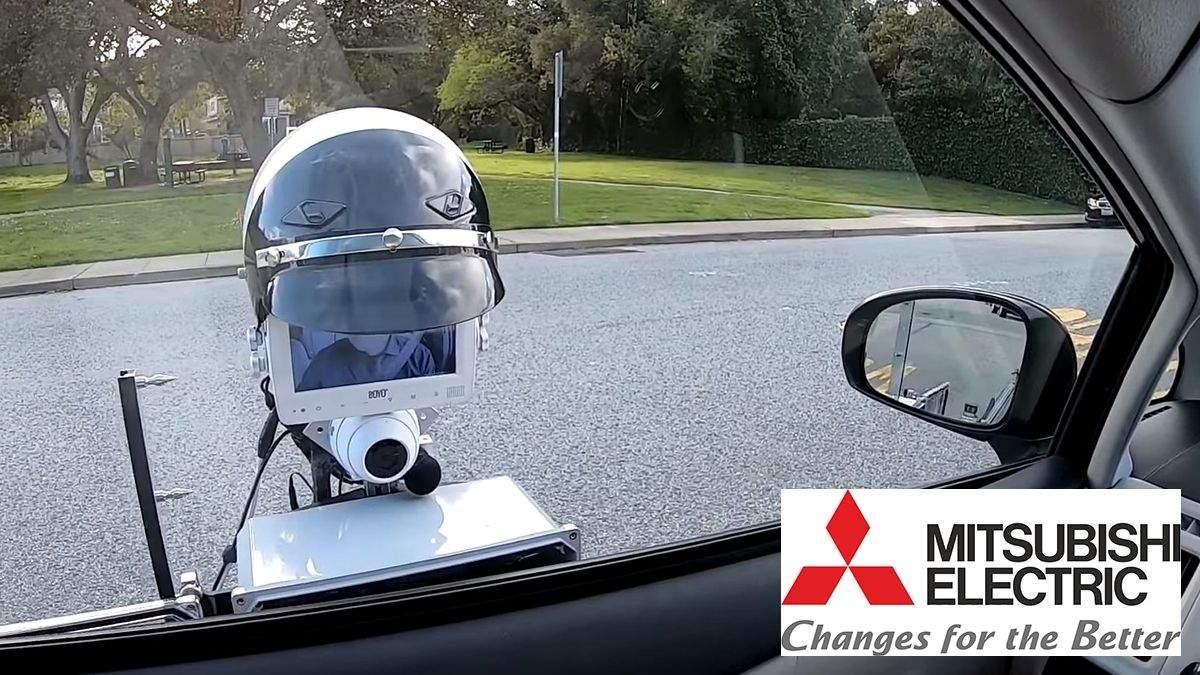 На дорогах Калифорнии появился робот-полицейский: уникальное видео