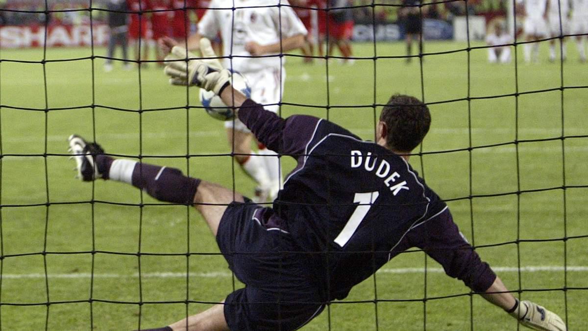 """15 років тому """"Ліверпуль"""" переміг """"Мілан"""" у фіналі Ліги чемпіонів"""