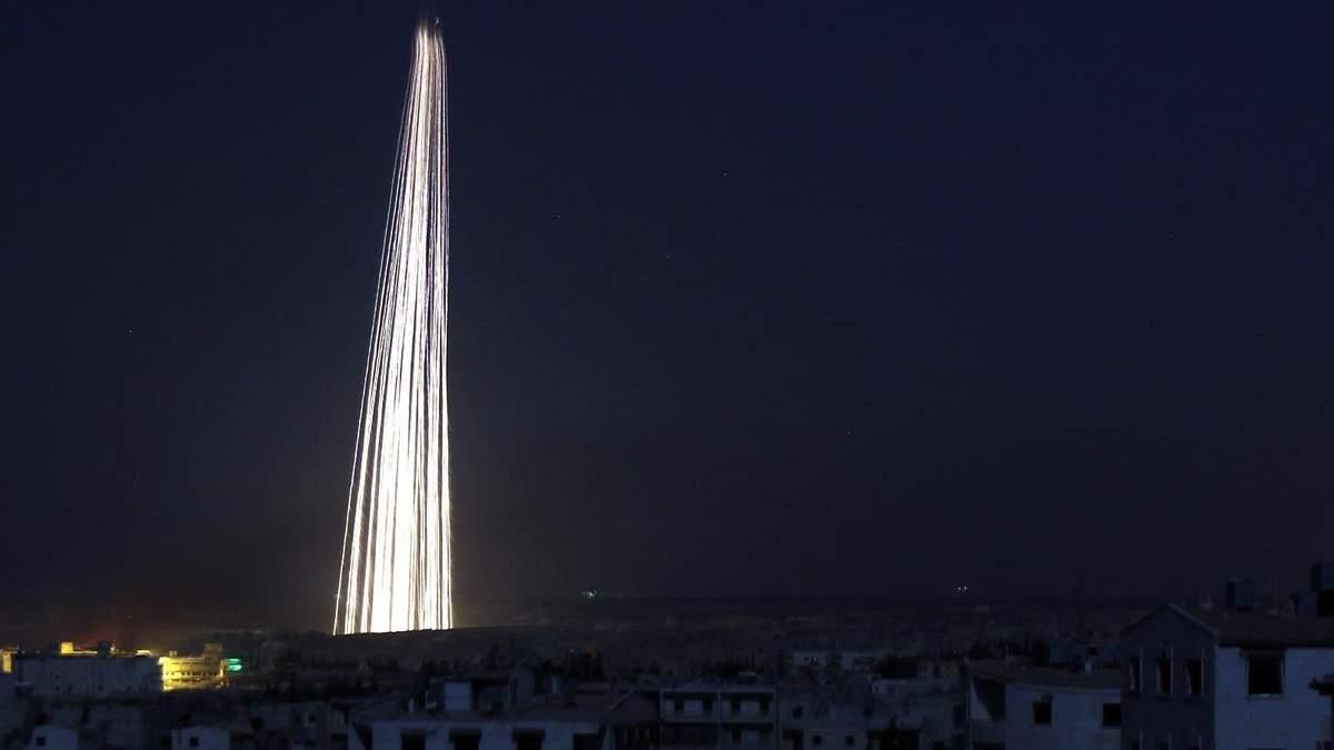 Війська Асада скинули фосфорні бомби в Ідлібі: горить величезна територія – фото, відео