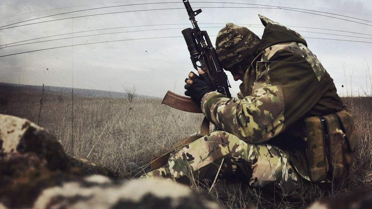 Українським військовим не дозволили відкрити вогонь, коли ті помітили артилерію бойовиків на Донбасі, заявив волонтер