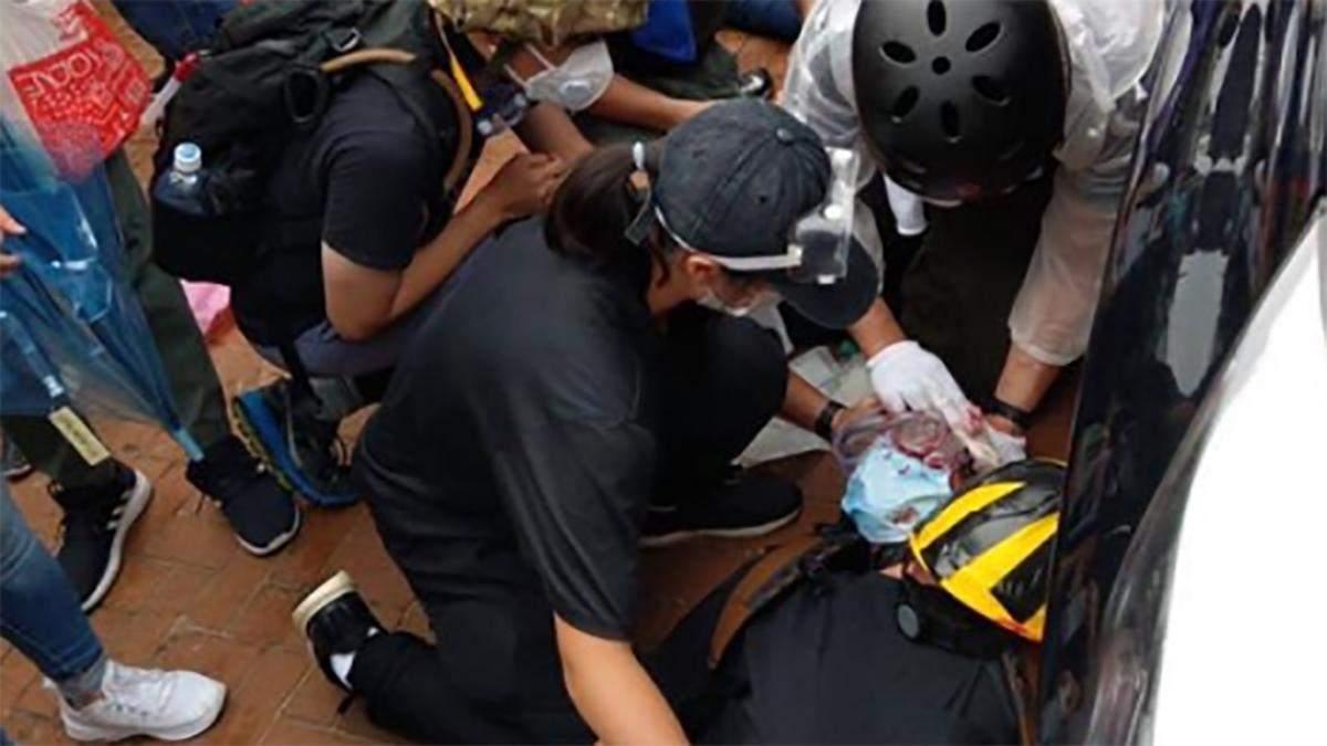 Поліція почала стріляти по мітингувальниках у Гонконгу: фото та відео 18+