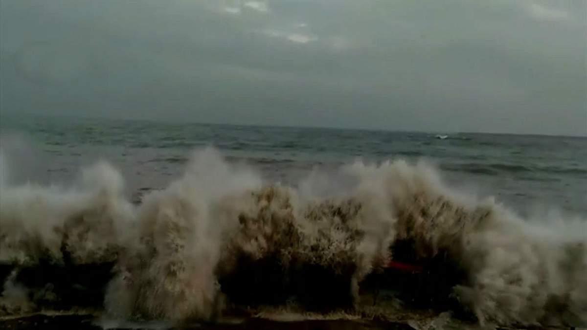 Циклон Ваю в Індії 13 червня 2019 - фото і відео циклону