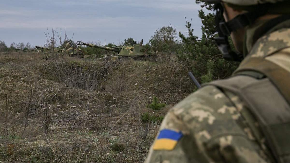 На Донбасі один український військовий отримав поранення, інший – бойову травму