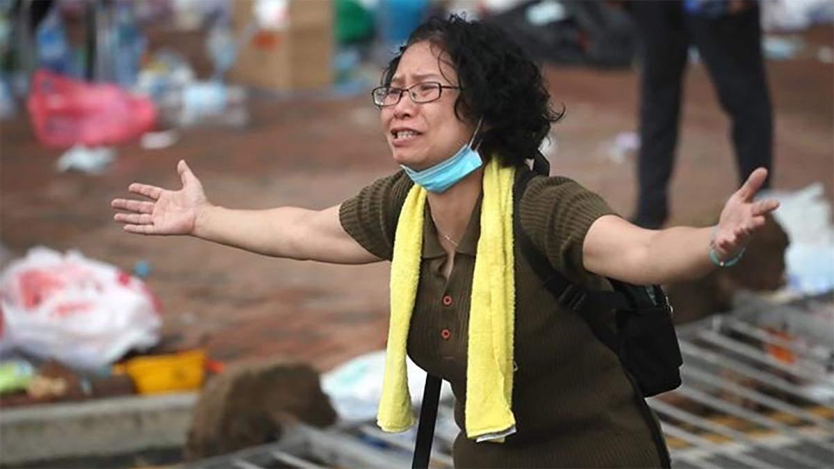Масові протести у Гонконгу дали результат: влада відкладе закону про екстрадицію