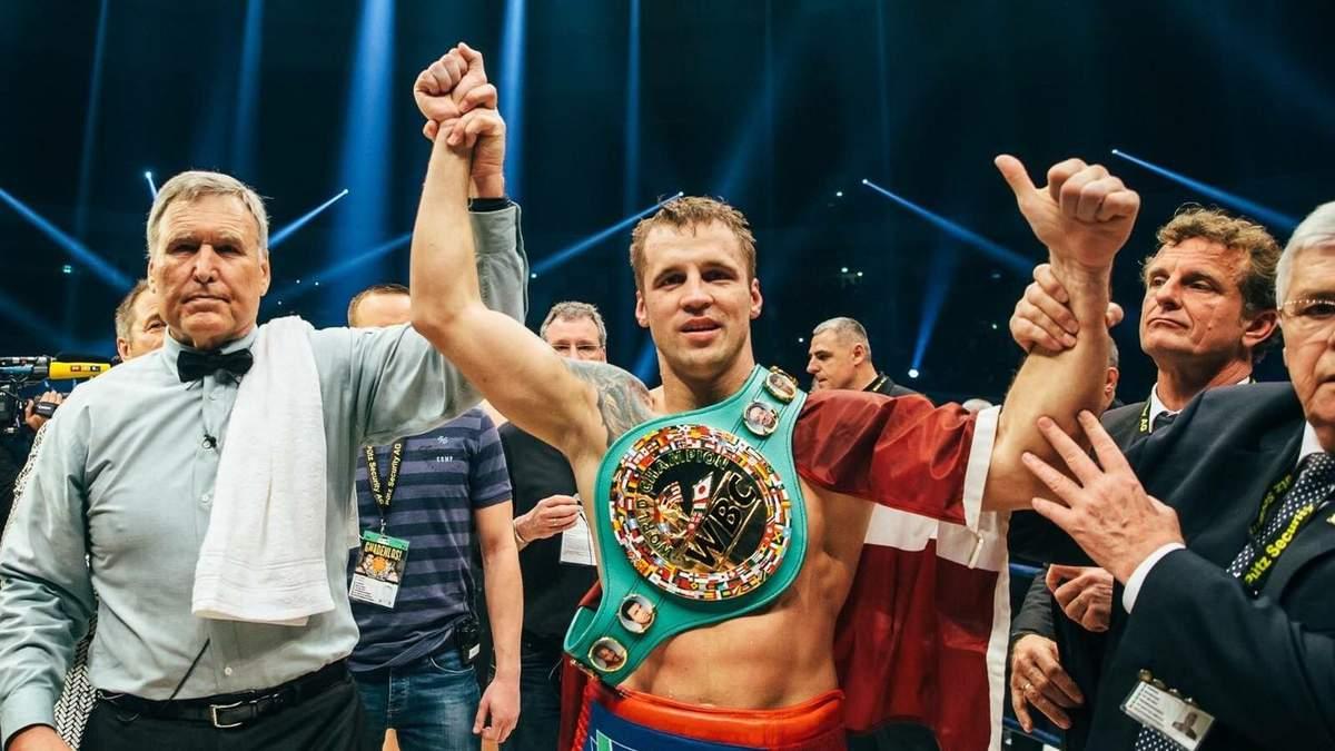 Майріс Брієдіс переміг у півфіналі Світової боксерської суперсерії