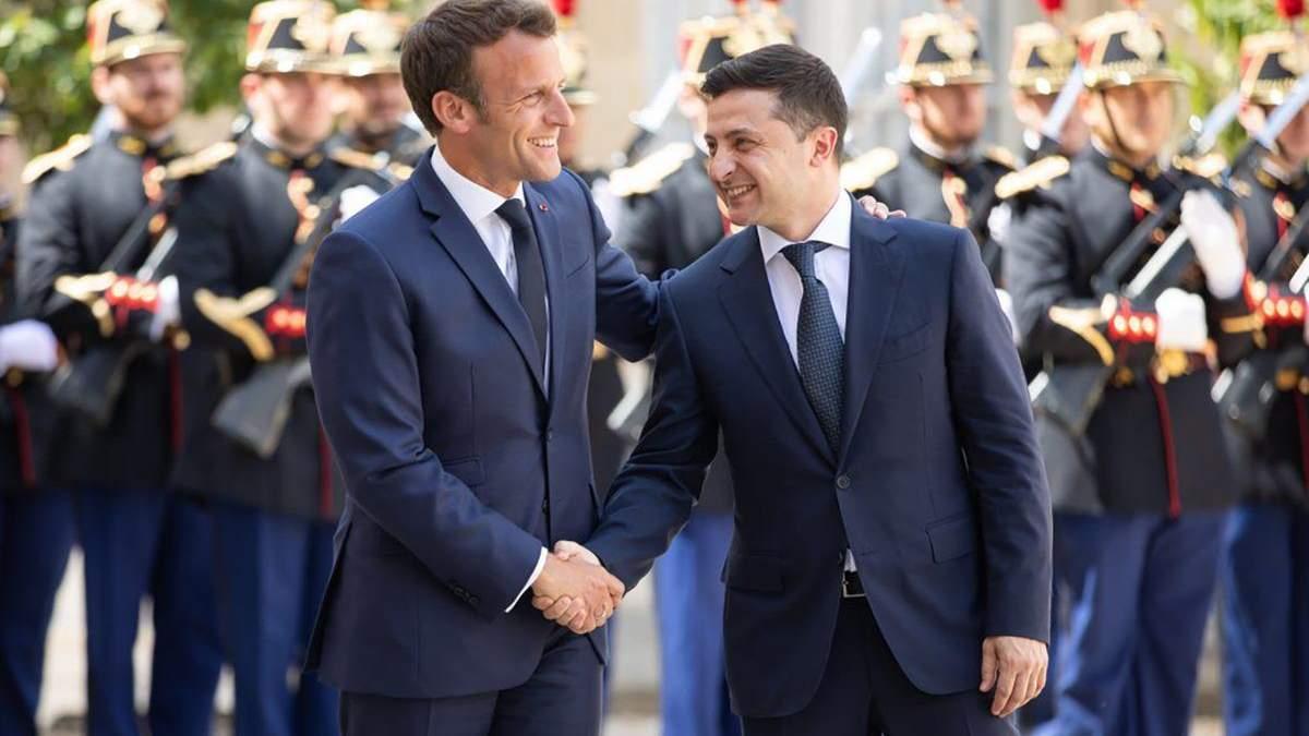 Зеленський та Макрон зустрілися в Парижі