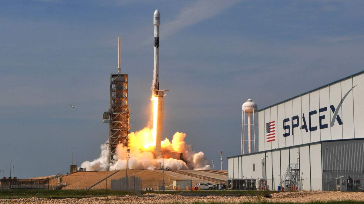NASA  знову перенесла відправку астронавтів на МКС
