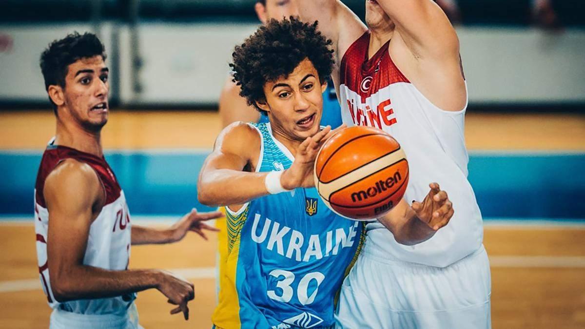 Баскетболіст збірної України тренується з командою НБА