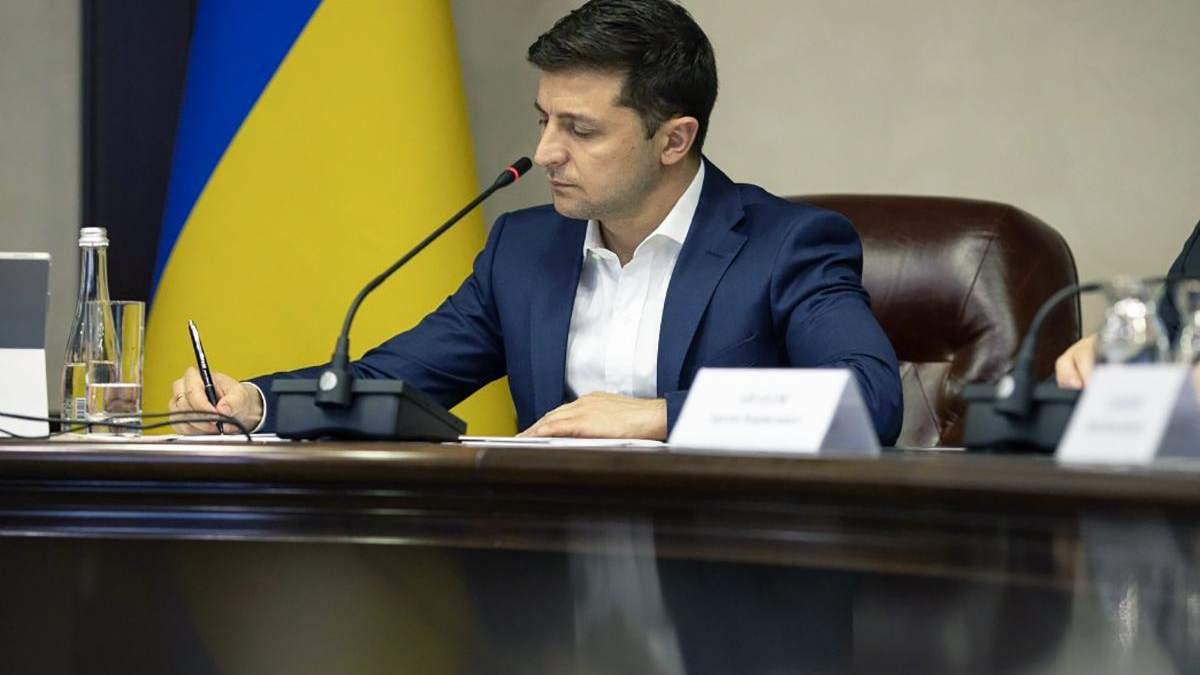 Зеленский дал гражданство 14 иностранцам, которые защищали Украину на Донбассе