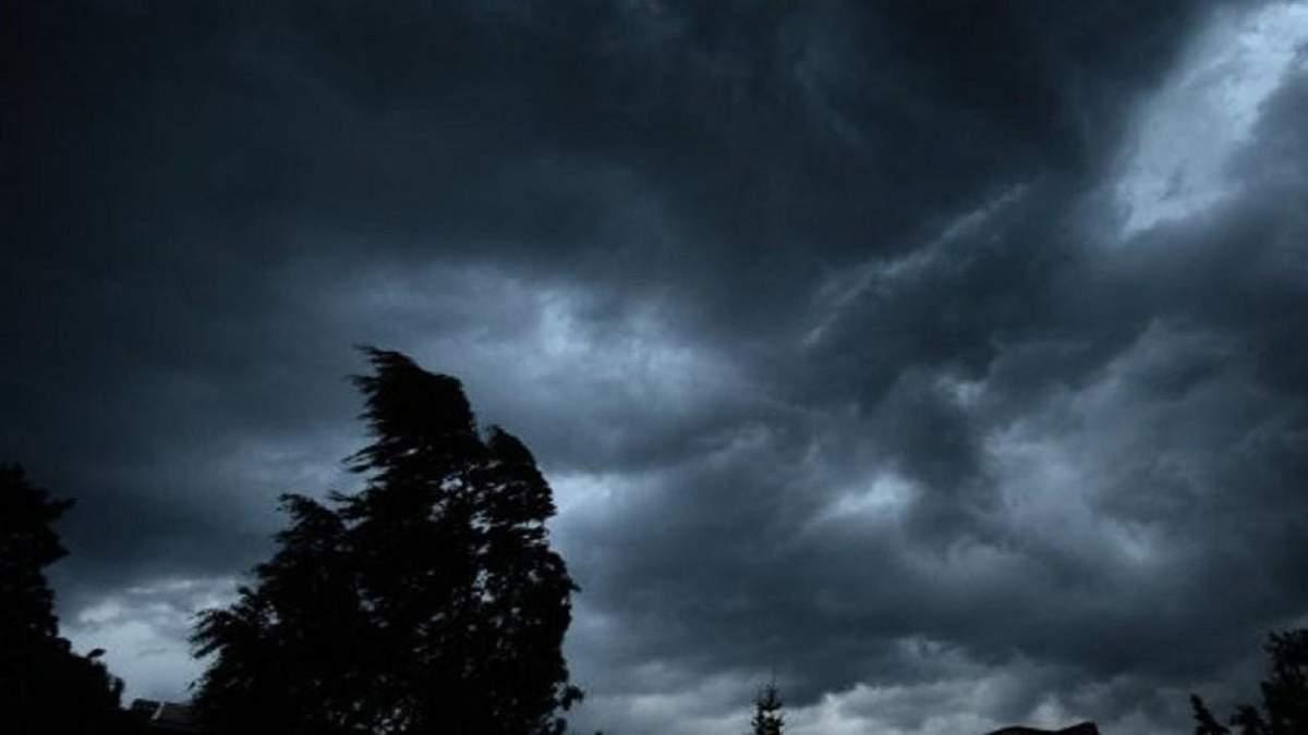 Шквальний вітер в Україні знеструмив шість сотень міст та сіл