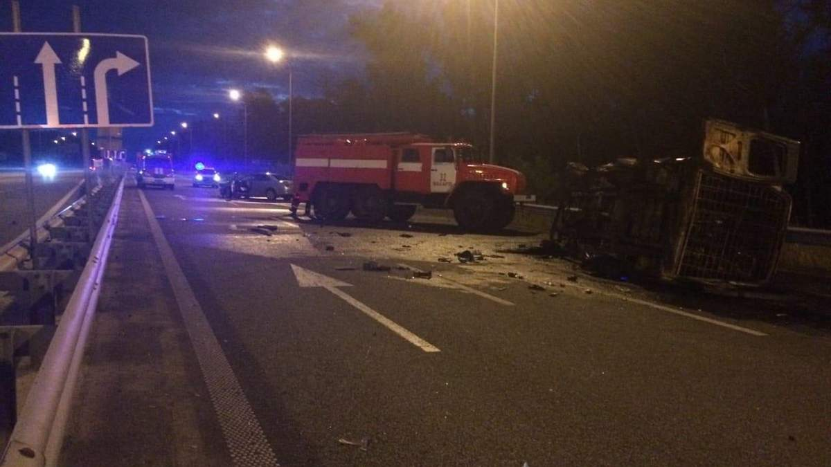 Під Києвом авто з військовими потрапило у ДТП: загинули двоє бійців