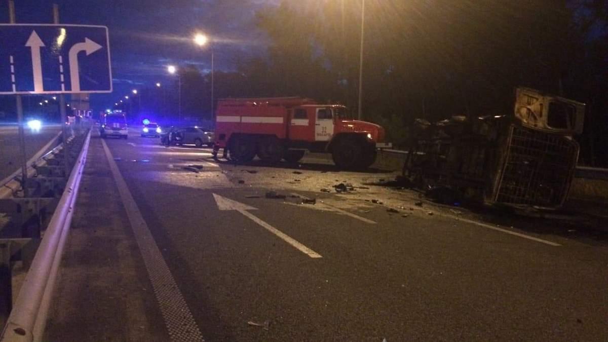 Под Киевом авто с военными попало в ДТП: погибли двое бойцов