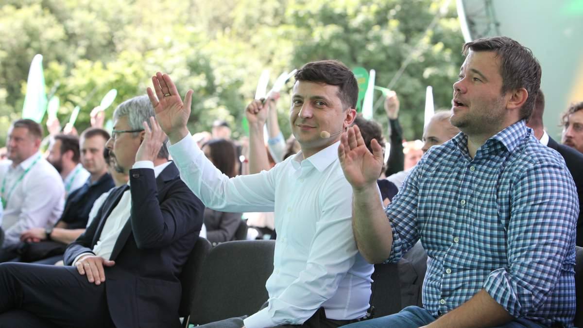 """Зеленський скасував парад до Дня Незалежності: як зміняться рейтинги """"Слуги народу"""""""