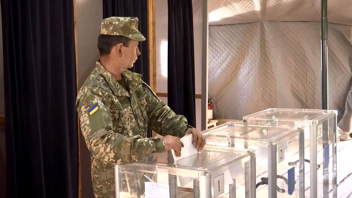 На парламентских выборах спецучастков для военных не будет: чем рискуют украинские бойцы