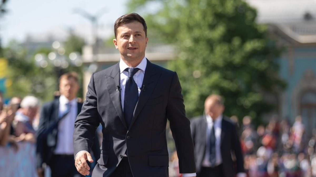 Зеленський хоче роздавати громадянство України за кордоном: хто може його отримати