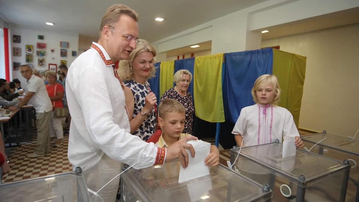 Андрей Садовый проголосовал на выборах 2019