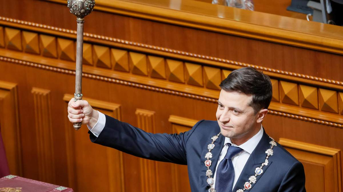От перевыборов до нового парламента: зачем Зеленский распустил Раду