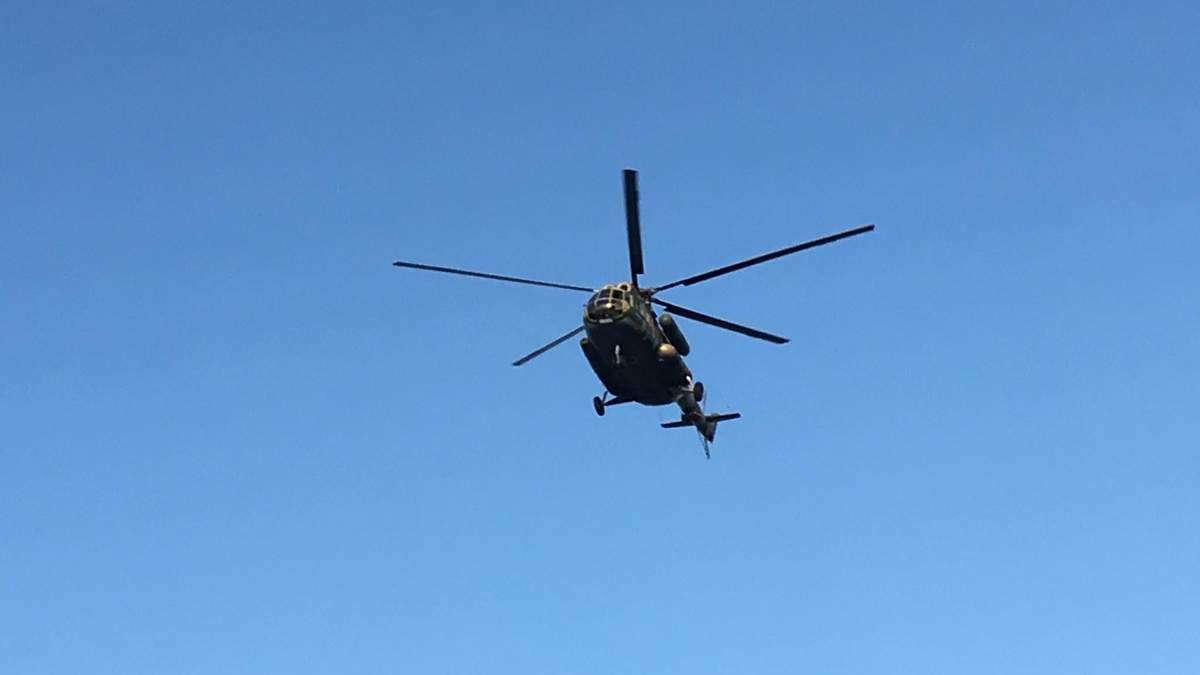 В округе, где проигрывает Пашинский, и кроме вертолета с полицией полно проблем