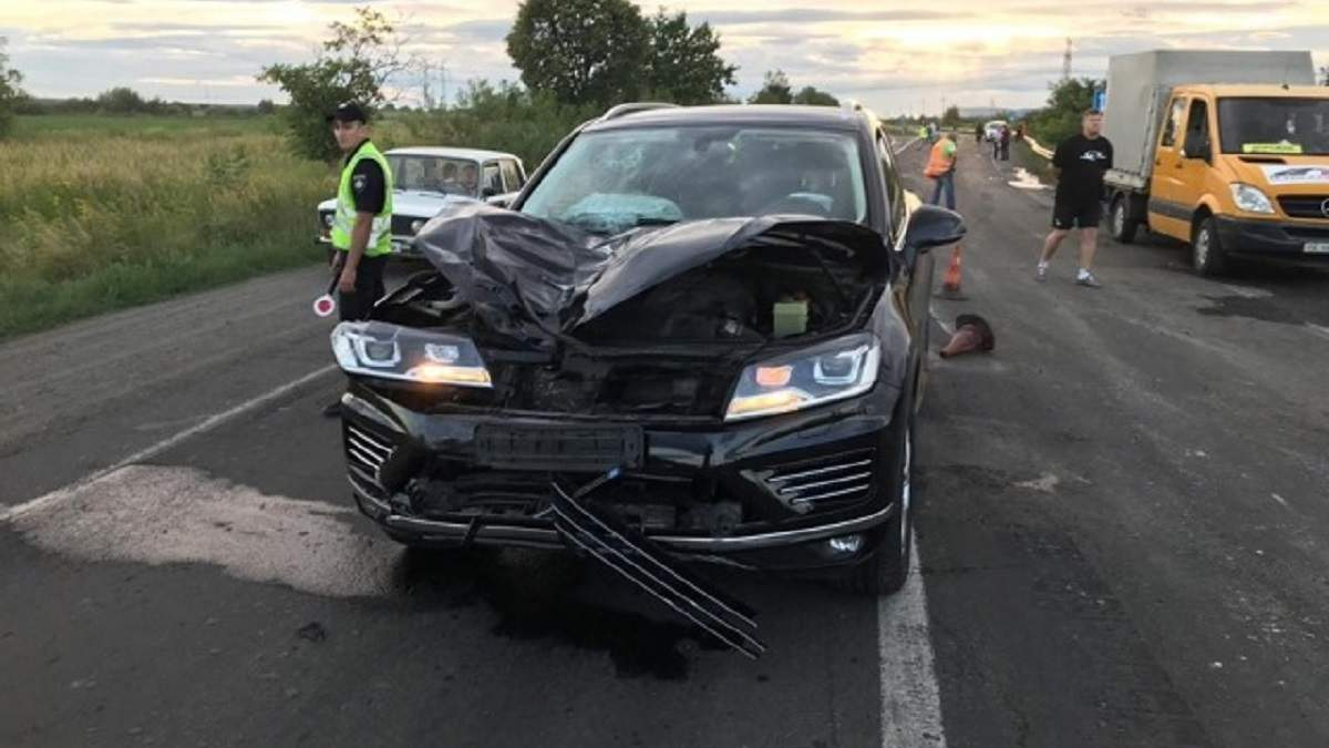 Заместитель главного фискала Закарпатья насмерть сбил дорожника