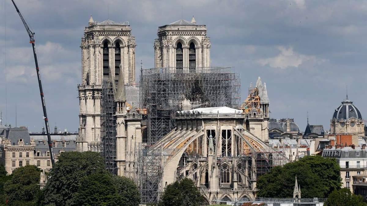 Нотр-Дам де Пари восстанавливают после пожара