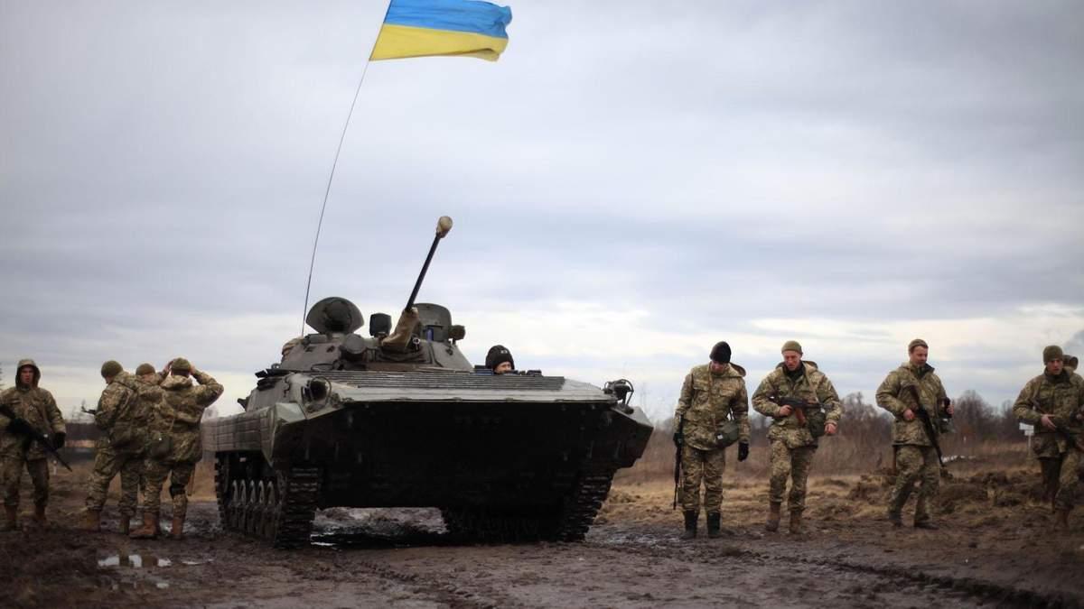 Бойовики поновили обстріли на Донбасі: є поранений