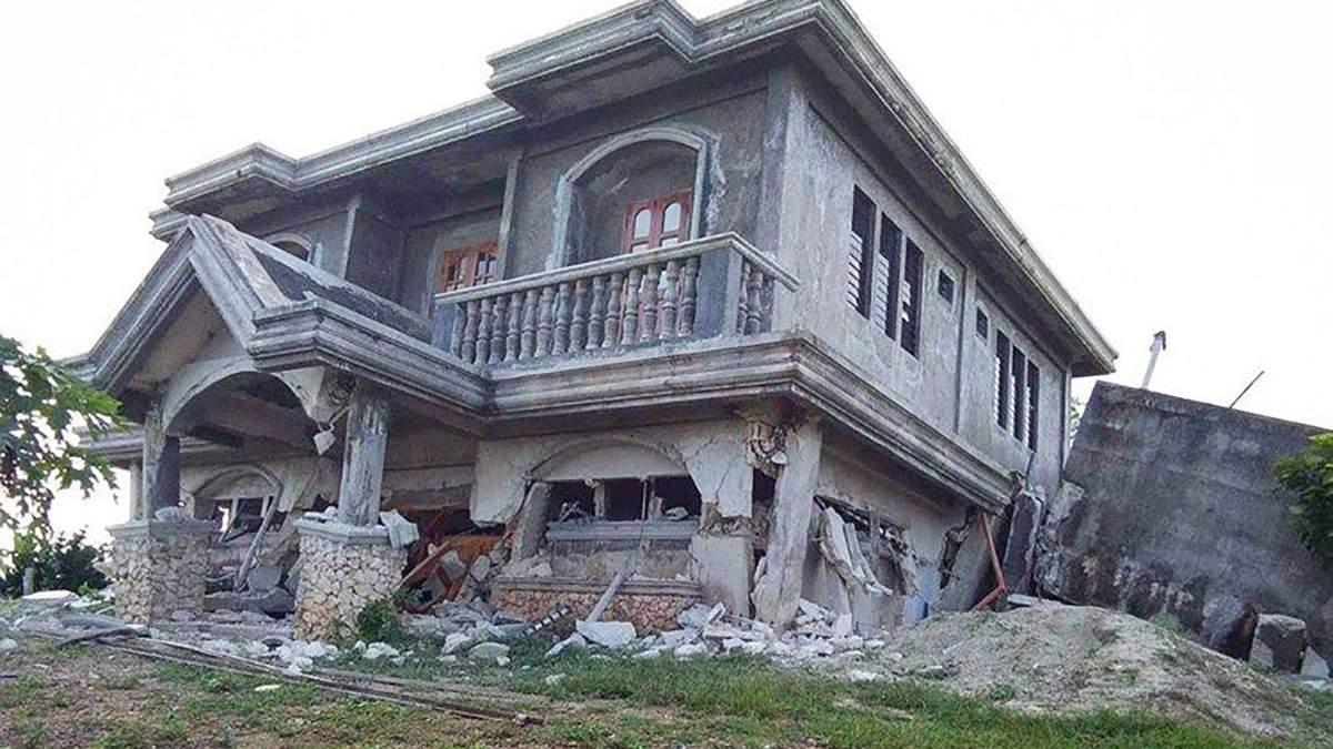 Філіппіни накрила серія землетрусів