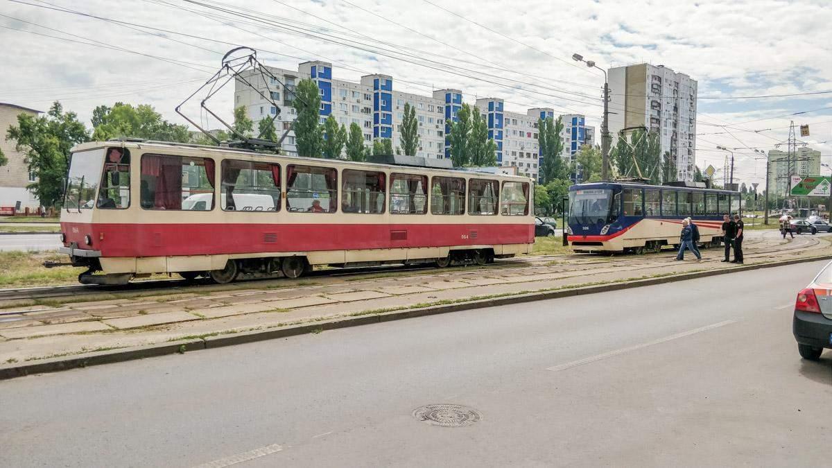 У Дніпрі під час руху загорівся трамвай