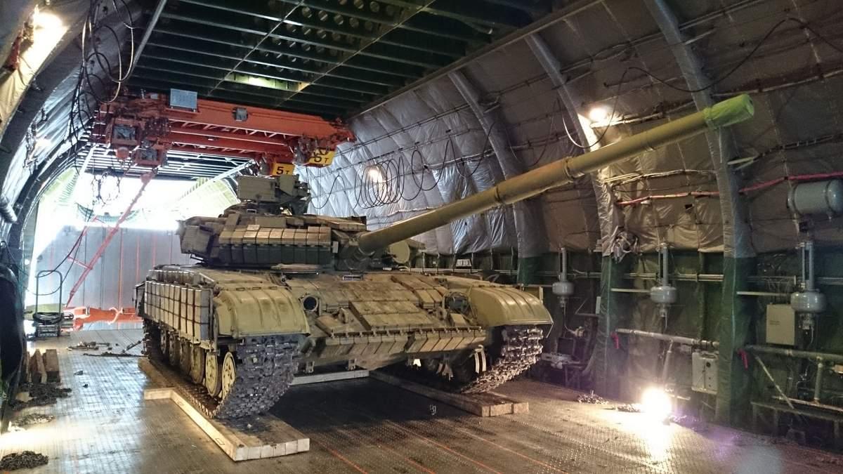 Росія в обхід санкцій транспортує зброю до Європи