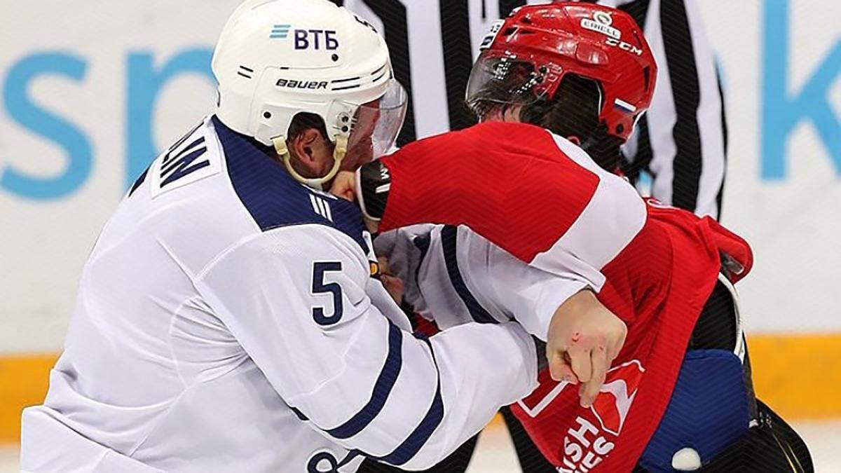 Хокеїсти влаштували масове побоїще й отримали серйозні дискваліфікації