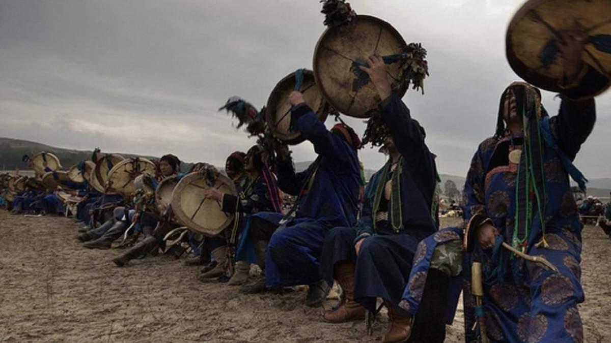 За тушение пожаров в Сибири взялись шаманы