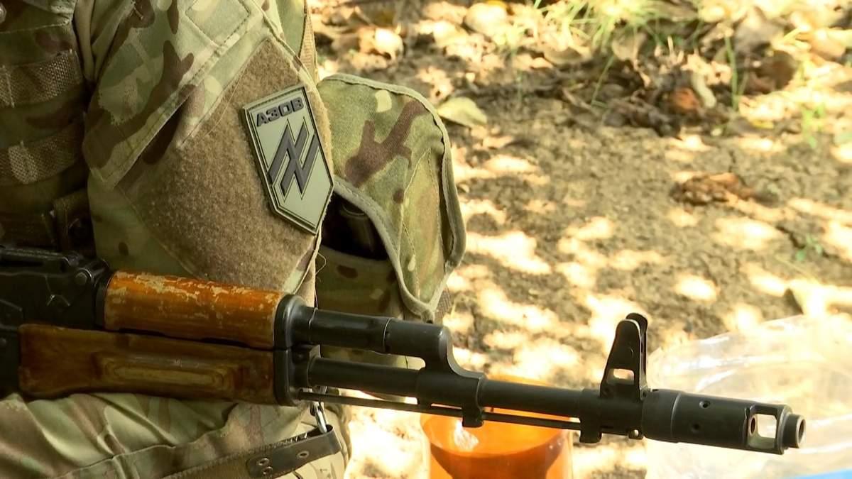 """Боец """"Азова"""" рассказал, как """"боялся опоздать на войну"""": репортаж из Донбасса"""